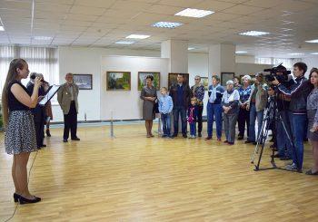В День города Ивантеевки в ЦГБ им. И.Ф. Горбунова открылась выставка художника Юлия Червинского