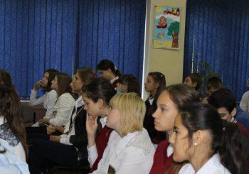 Ученики городской Школы № 7 встретились с поэтами Ивантеевки
