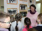 Выставку «В хоккей играют настоящие мужчины» посетили ученики начальных классов