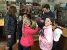 Ученики городской Школы № 1 посетили выставку «Народная кукла и игрушка» в Библиотеке-филиале № 1