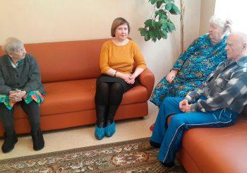 Обитателям Дома-интерната «Золотая осень» рассказали о традициях русского чаепития